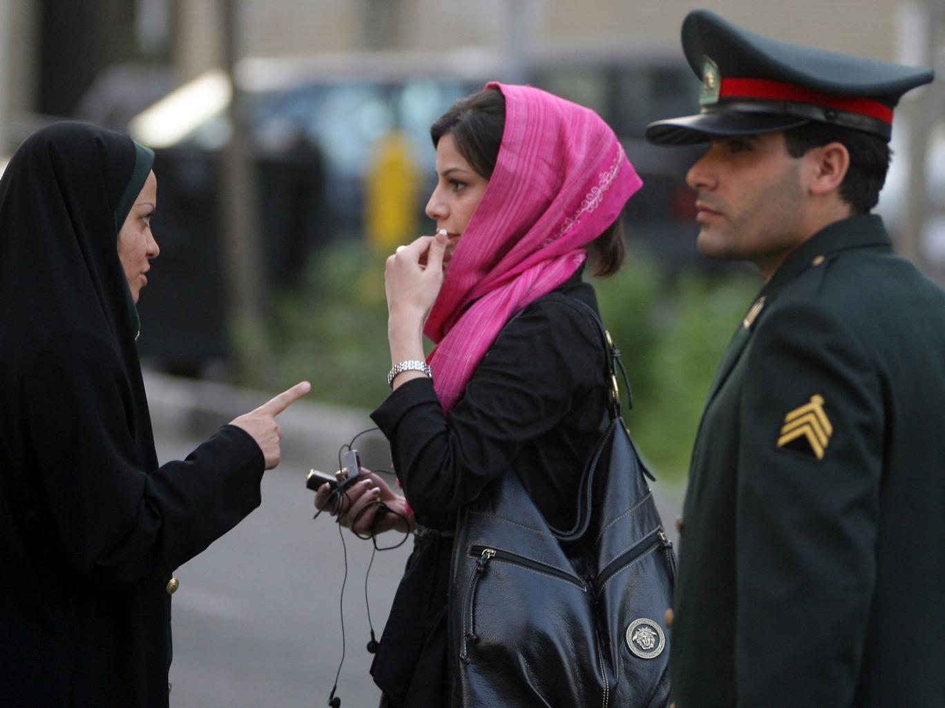 Release Iranian women's rights defenders detained for peacefully protesting against forced veiling
