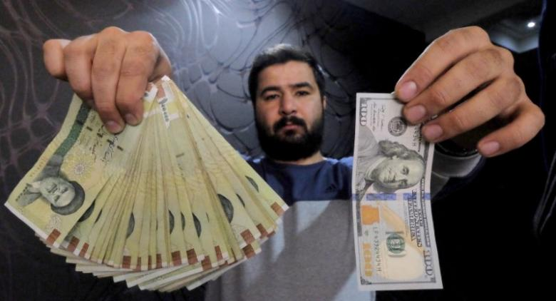 Dollar on the verge of record high in Iran