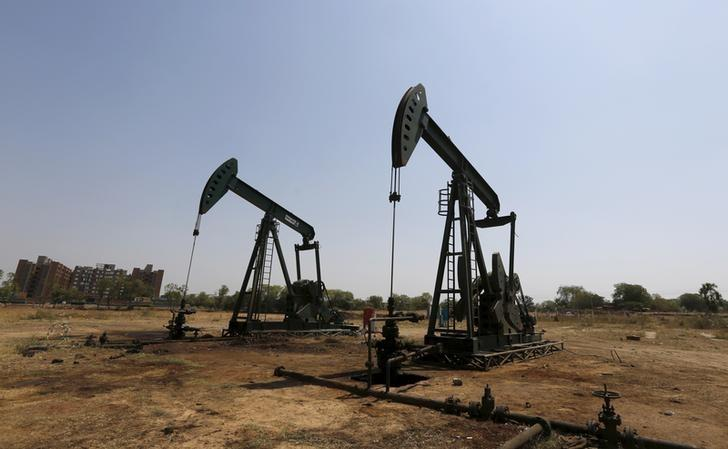 Oil rises as threat of immediate Iran supply recedes