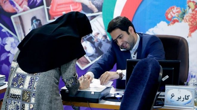 Iran dissidents urge vote boycott as leaders eye high turnout