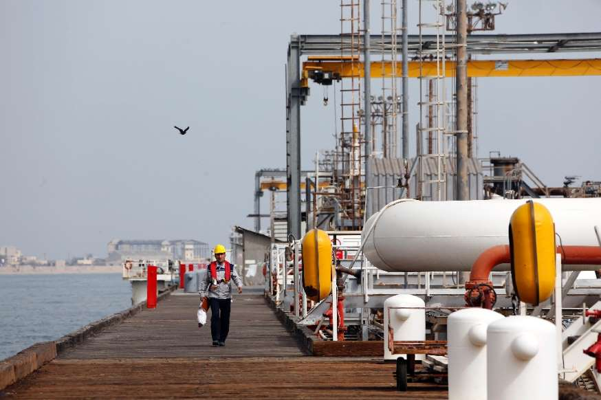 China signs series of deals to develop supergiant oilfield in Iran