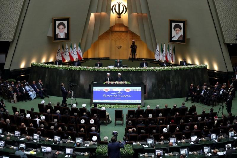 Iranian Parliament presses government over economic performance