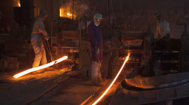 Iran assigns large steel project to Chinese company without holding tender