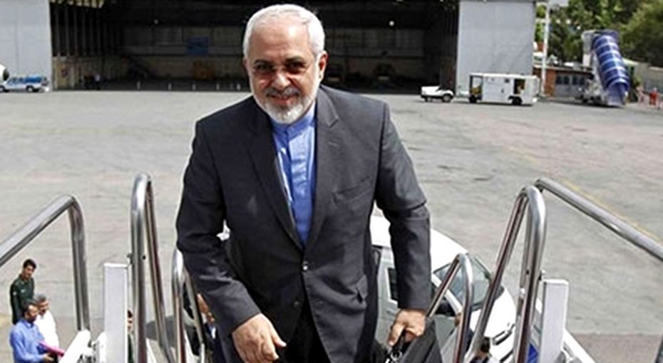 Zarif seeks holding regional dialogue during Kuwait visit