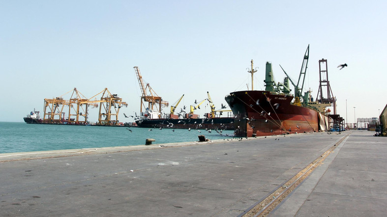 Yemen's Iran-backed Houthis threaten to blow up abandoned oil tanker