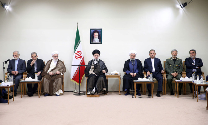 Khamenei intervenes in the budget, concerned about threats