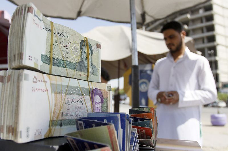 UAE indicates full compliance with US sanctions on Iran