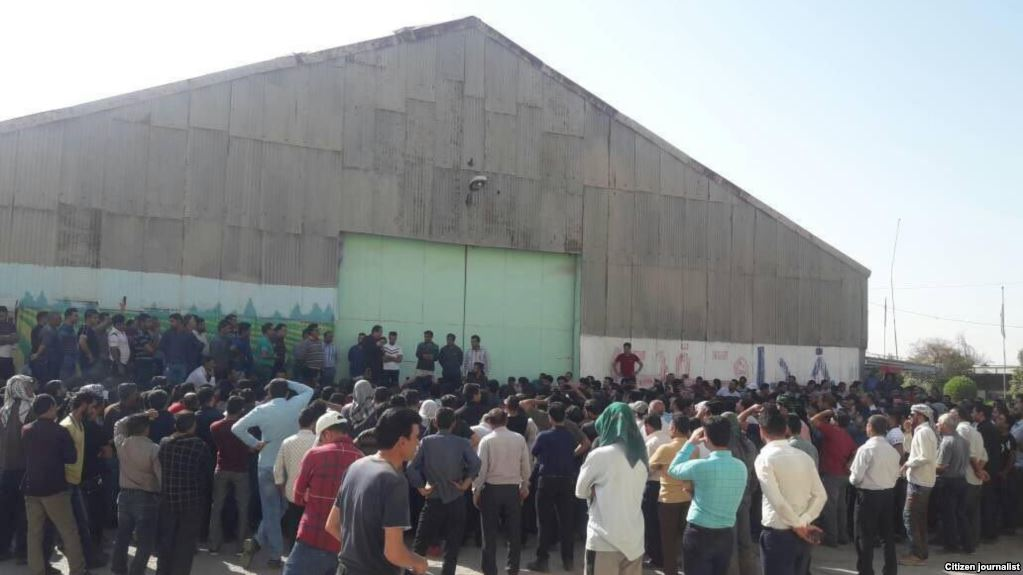 Iranian workers protest over unpaid wages at Friday prayers
