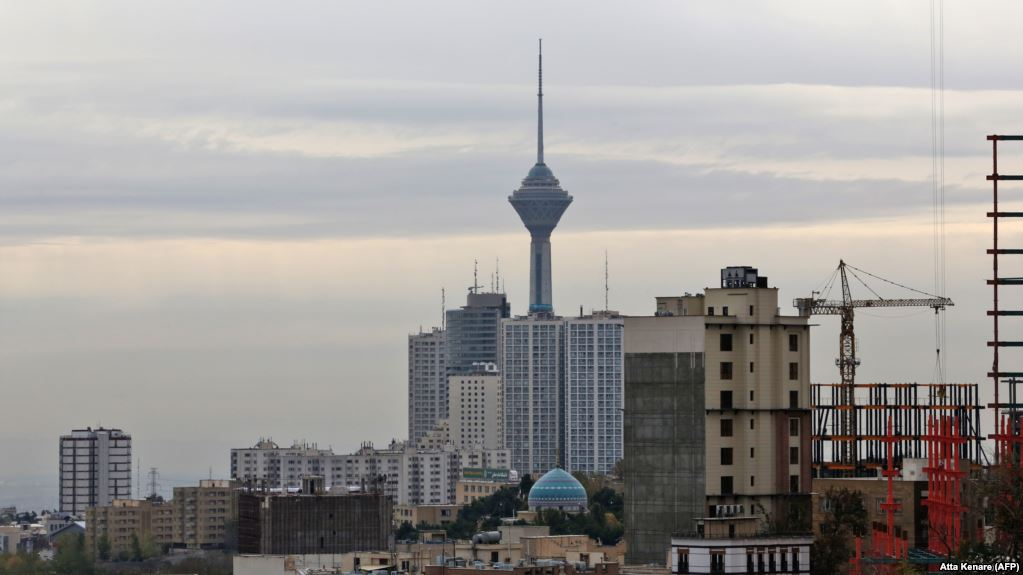 Mysterious foul odor in Tehran to be investigated but jokes abound