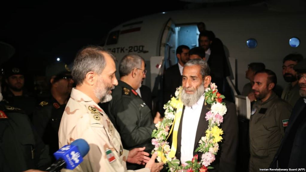 Iranian border guards freed in Pakistan arrive home