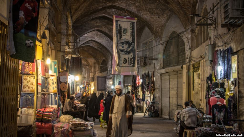 Latest report says annual inflation close to 50 percent in Iran