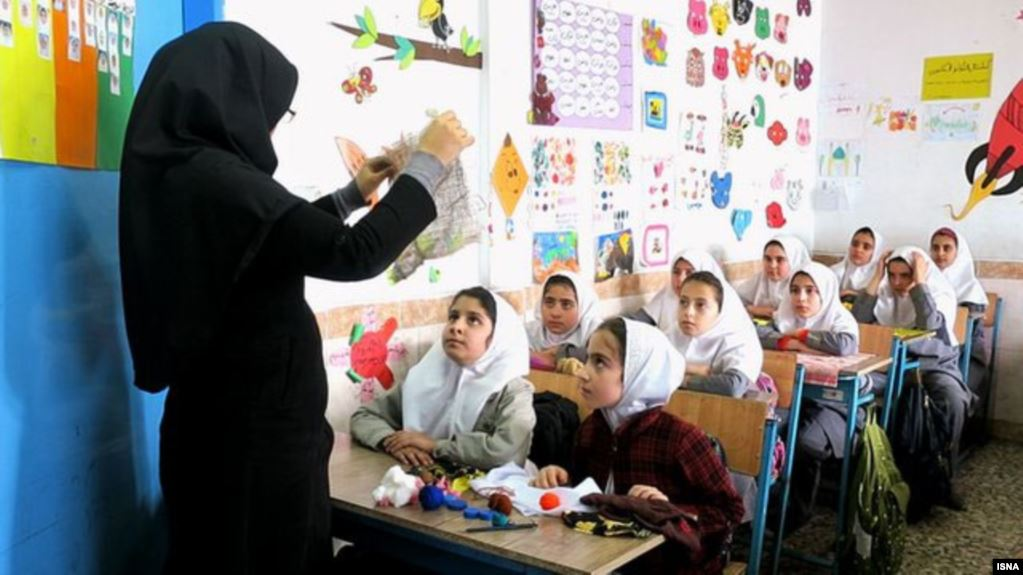 School turned prison protected with heavy machine guns in Iran's Shadegan