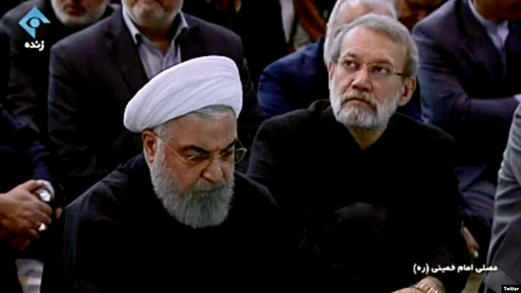 Iranians enthralled by Rouhani's hasty departure from Khamenei's Friday prayer