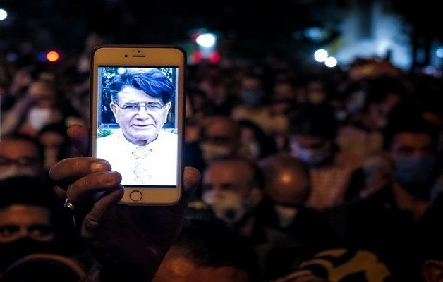 Iran protesters chant 'death to dictator' after death of renowned musician Shajarian