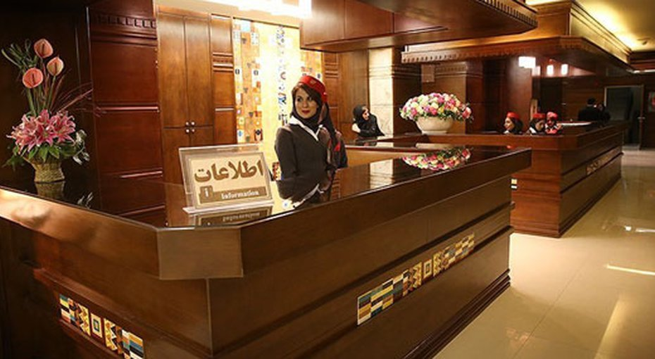 Luxury hotels provide a refuge for rich Iranians in quarantine