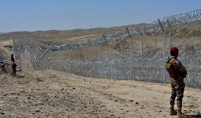 Fencing Iran, Afghan border may impact locals but peace first priority — Balochistan home minister