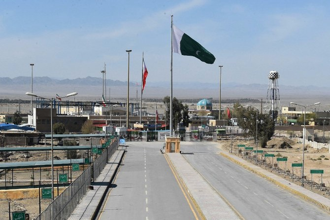Pakistan says Iran border 46% fenced, to be completed in a year