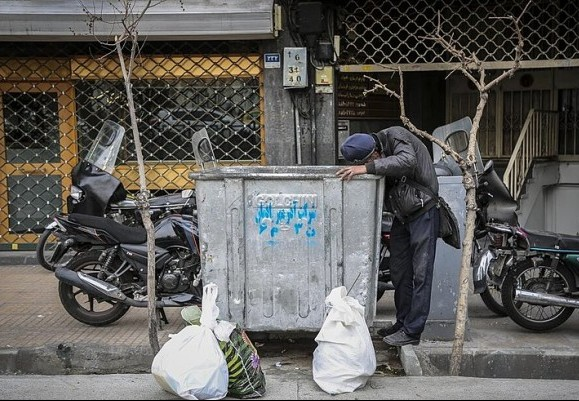 Tehran plans to lock waste containers to prevent garbage picking